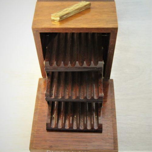Ancienne boîte à cigarettes